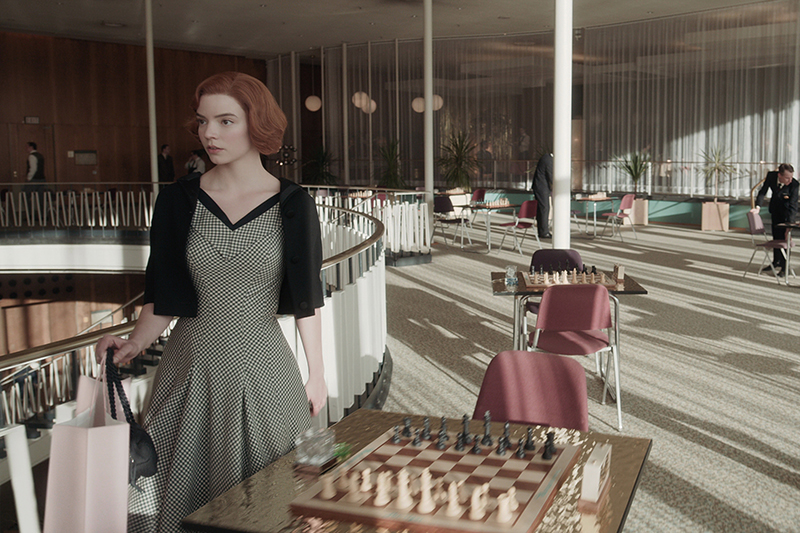 THE QUEEN'S GAMBIT (L to R) ANYA TAYLOR-JOY as BETH HARMON in episode 103 of THE QUEEN'S GAMBIT Cr. COURTESY OF NETFLIX © 2020
